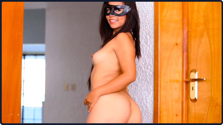Elizabeth Nuñez, Striptease