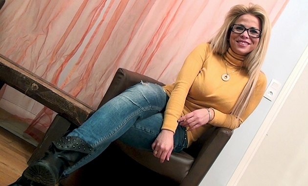 Sabrina Moon Elle est chienne la chilienne
