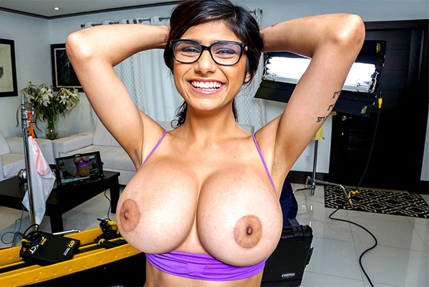 Mia Khalifa, Me Getting extra dick Behind the scenes!