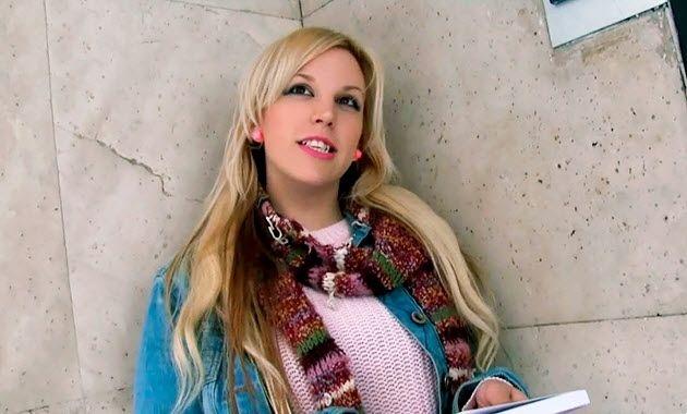 Pilladas: Blondie Fesser Cerdeando con una tetona impresionante