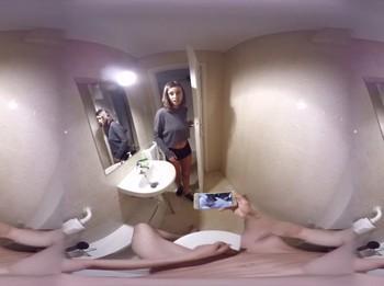 Fantasias VR: Natalia Ruso, Mi hermanastra me piilla pajeándome con ella.
