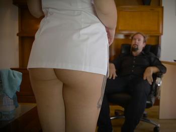 Fakings: Servicios especiales: William tiene una proposición para una apurada chica de la limpieza.