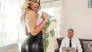 AssParade: Assh Lee, Gets Her Asshole Stretched